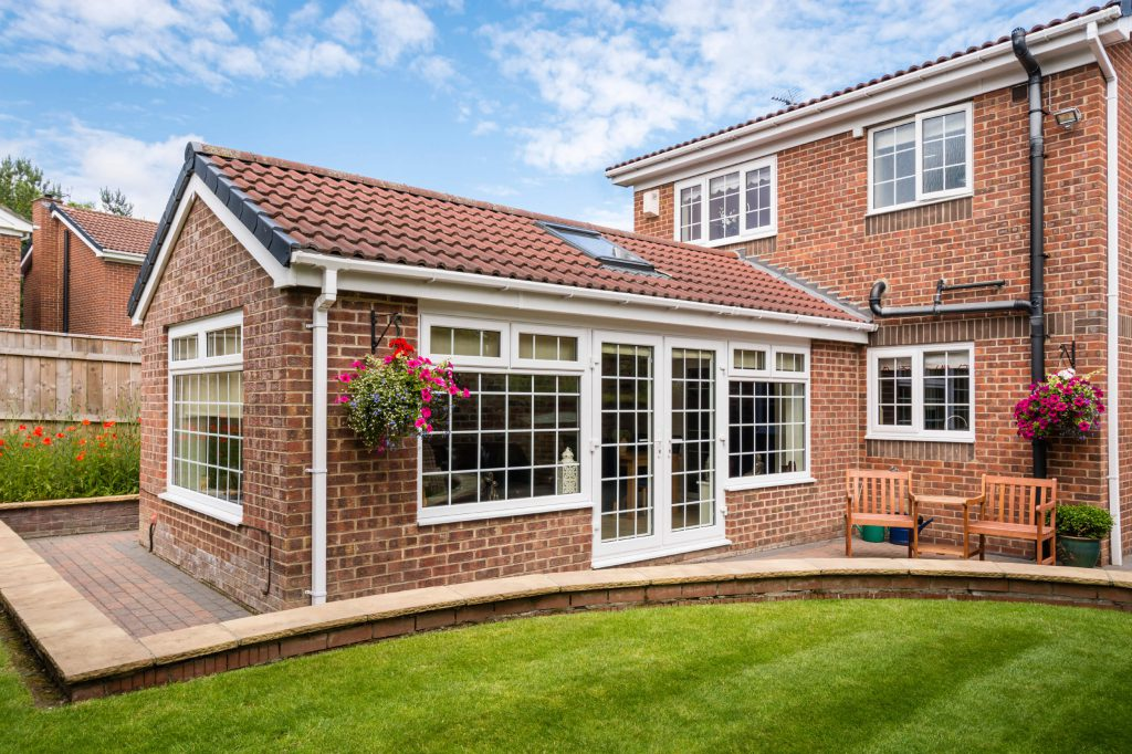 Single-storey side or small back extension